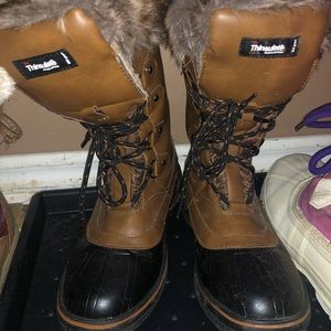 Shoes - Woman's Fur Lined Boots
